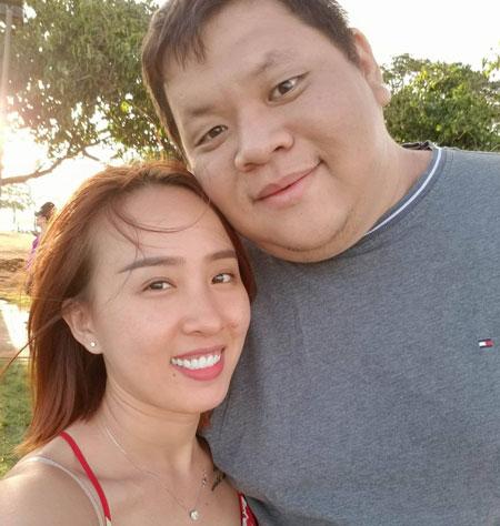 Quỳnh Anh và anh Đức Hiền quen nhau nhờ một người bạn trên mạng.
