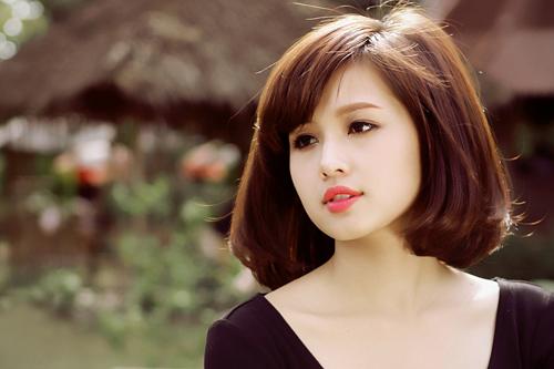 """Đại gia biến vợ từ hot girl Việt thành """"phượng hoàng"""" đài các, dát đồ hiệu từ đầu đến chân giàu cỡ nào?"""