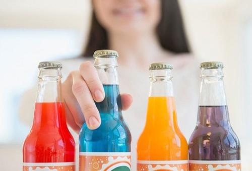 Nước ngọt có ga và không ga có thể đều phải chịu thuế tiêu thụ đặc biệt để hạn chế việc lạm dụng đồ uống, gây béo phì, theo lập luận của Bộ Tài chính.