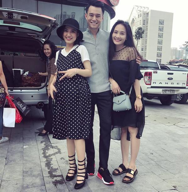 Trang Cherry tại hậu trường phim Sống chung với mẹ chồng.