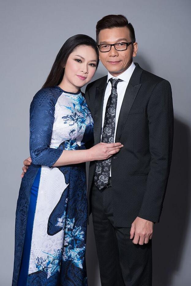 Duyên phận được nhạc sĩ Thái Thịnh đo ni đóng giày cho nữ ca sĩ Như Quỳnh. Ảnh: Huy Khiêm.