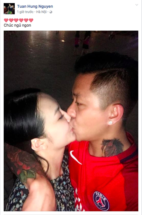Tuấn Hưng đăng tải hình ảnh trao nụ hôn ngọt ngào dành cho bà xa Thu Hương.