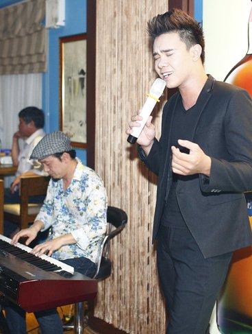 Hành động bất ngờ nhạc sĩ Quốc Trung dành cho Đông Hùng