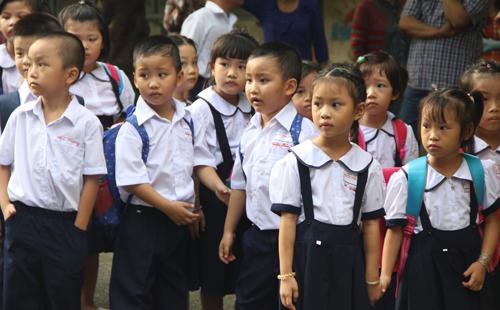 Học sinh tiểu học TP HCM trong lễ tựu trường năm học 2017-2018. Ảnh minh họa: Mạnh Tùng.