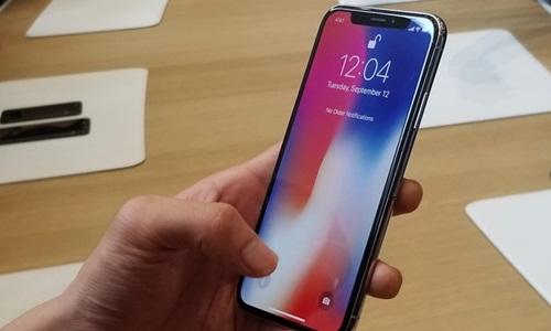 iPhone X là sản phẩm kỷ niệm 10 năm ra mắt iPhone. Ảnh: Engadget