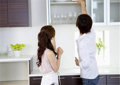 Nhiều khu bếp được thiết kế không phù hợp với chiều cao của người sử dụng. Ảnh minh họa: MF.