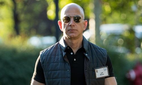 Jeff Bezos - ông chủ hãng thương mại điện tử Amazon. Ảnh: AFP