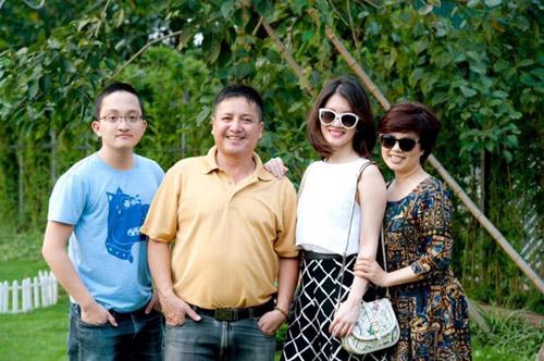 Gia đình nhỏ của NSƯT Chí Trung - Ngọc Huyền.