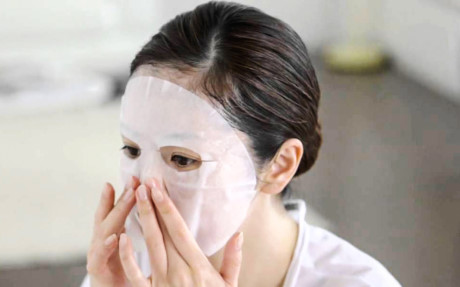 Mặt nạ giấy đang trở thành cơn sốt về chăm sóc da của chị em