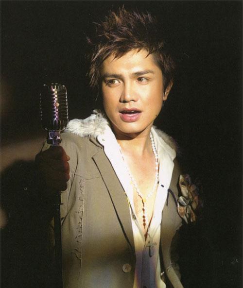 Cách đây hơn 10 năm, không ít lần Xuân Lan đã chia sẻ với báo chí về người yêu là nam ca sĩ Hoàng Thanh