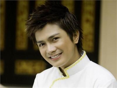 Ca sĩ Hoàng Thanh từng được ví như Won Bin ở Việt Nam