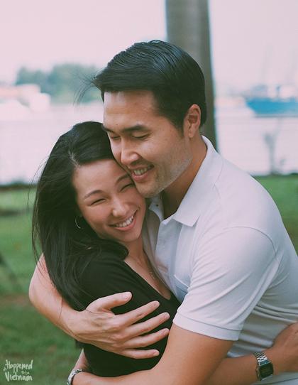 Anh chị kết hôn khi cả hai đều ở tuổi 32. Ảnh: Its happened to be in Vietnam.