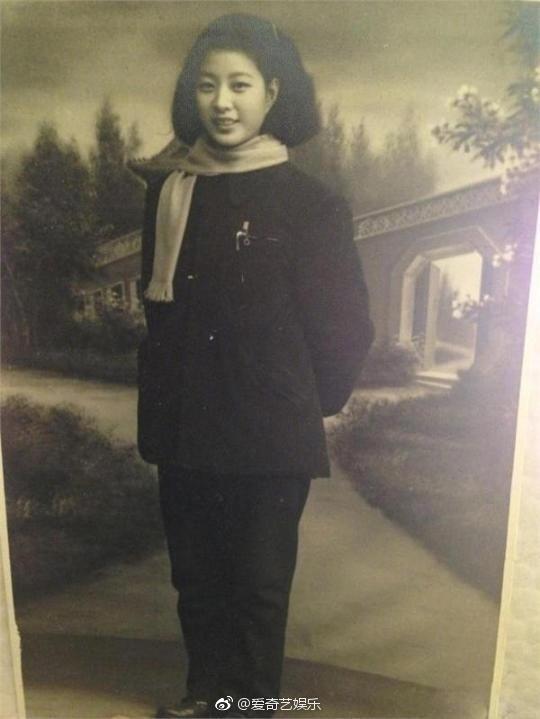 Dung nhan bà nội của Phạm Băng Băng. Đẹp thế này bảo sao Phạm Băng Băng luôn nằm trong top mỹ nhân Hoa ngữ