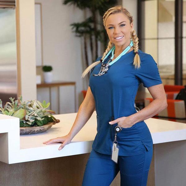 Lauren là một nữ y tá chuyên nghiệp ở Mỹ.