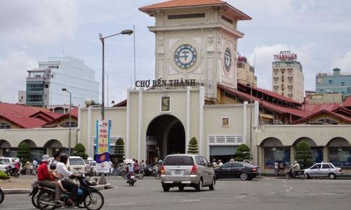 Các ki ốt 2-4 m2 tại chợ Bến Thành có giá sang nhượng 1,2-2,5 tỷ đồng còn giá thuê đạt 30-50 triệu đồng mỗi tháng. Ảnh: Vietnamtourism.org.vn