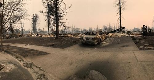 Khu vực dân cư ở Coffey Park, thành phố Santa Rosa của người cậu Lý bị cháy rụi. Ảnh: Nhân vật cung cấp.