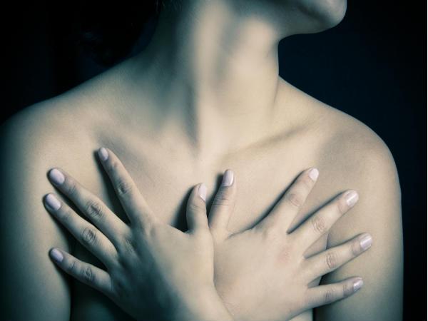 Đôi khi ung thư vú được nhận biết không phải từ những khối u, mặc dù cũng có những triệu chứng như đau nhức, phát ban, sưng bất thường.