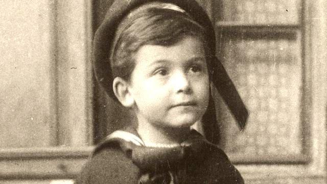 William lớn lên dưới cái danh thần đồng và áp lực khổng lồ từ cha mẹ.