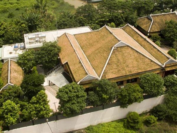 Biệt phủ hoành tráng tọa lạc ở trung tâm huyện Bình Chánh là của con gái nguyên Phó Thống đốc Ngân hàng Nhà nước (ảnh: nguồn Facebook)