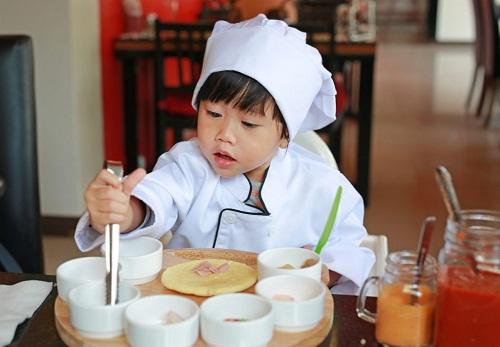Người Nhật chú trọng dạy trẻ tính kiên cường ngay từ bé.