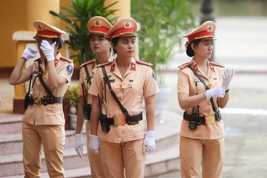 """Những """"bóng hồng"""" APEC"""