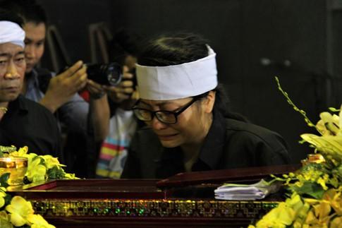 Cụ Hoàng Thị Minh Hồ ra đi trong niềm thương tiếc vô hạn của người thân và rất nhiều người yêu mến, kính trọng cụ