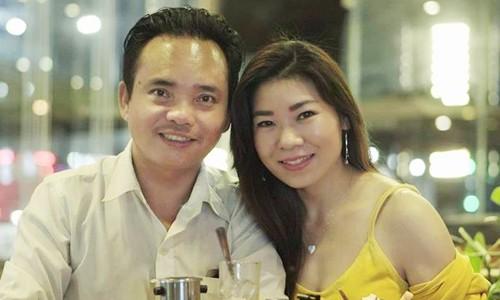 Chị Giang cũng nhận thấy tình cảm của chồng dành cho mình rất lạ, bởi vì 14 năm qua không hề thay đổi.