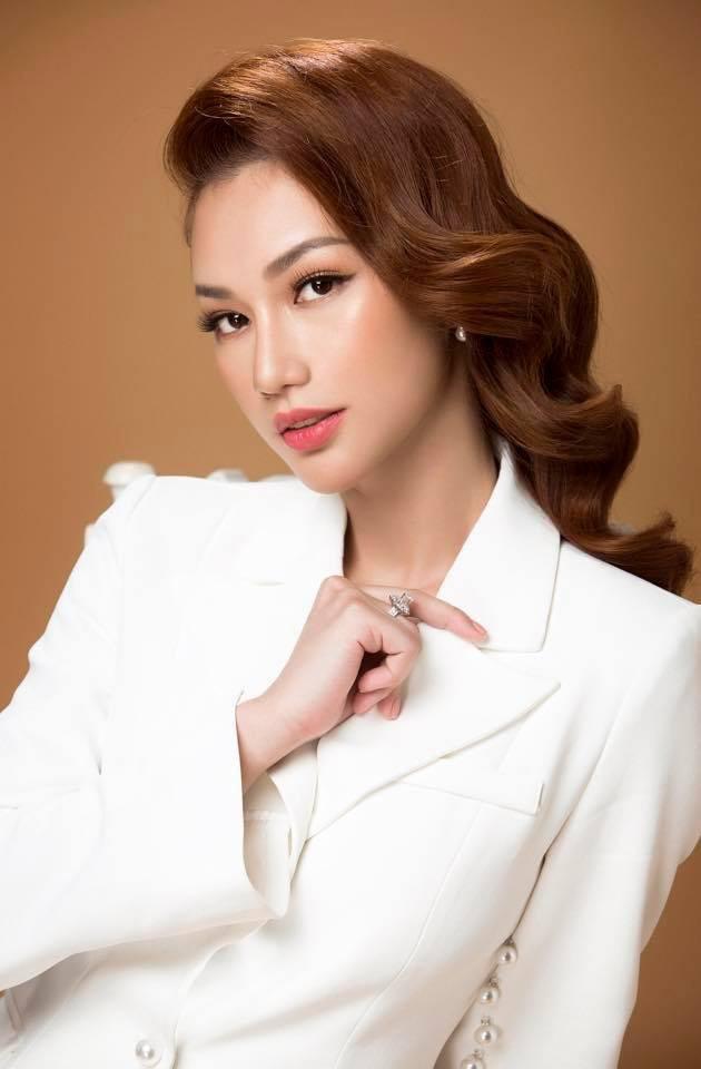 Quỳnh Chi được biết đến nhiều hơn sau vụ lùm xùm hôn nhân tan vỡ.