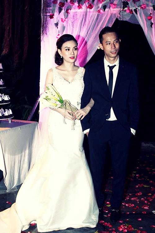 Thu Thủy và chồng cũ trong đám cưới bí mật hồi 10/2014.