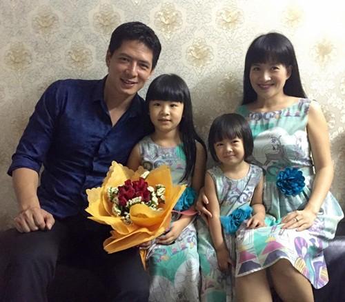 Gia đình Bình Minh-Anh Thơ.