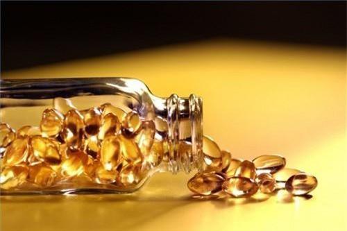 Là con gái nhất định phải biết hết những công dụng làm đẹp này của vitamin E