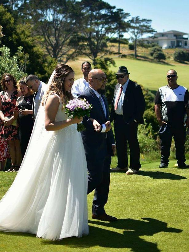 Cô dâu Jamieka rạng ngời trong hôn lễ (Ảnh: Internet)