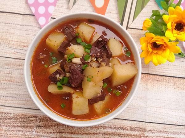 Canh tiết nấu khoai tây ngon, bổ cho ngày lạnh