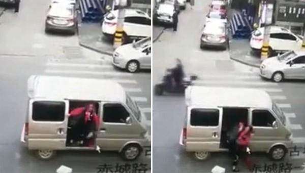 Bé gái bị bắt cóc khi đi bộ một mình từ trường về nhà