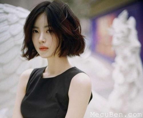 Tóc ngắn ngang cằm hay còn gọi là tóc bob mang phong cách hiện đại, do đó sẽ giúp quý cô 30 thêm phần sang trọng và hợp xu hướng hơn