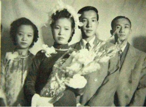 Đám cưới mang đậm nét truyền thống của cố NSND Trịnh Thịnh và vợ vào những năm 1950.