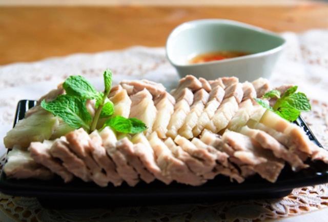Thịt lợn là món ăn quen thuộc trong bữa ăn hằng ngày, nhưng không phải ai cũng nên ăn nhiều. Hình minh họa