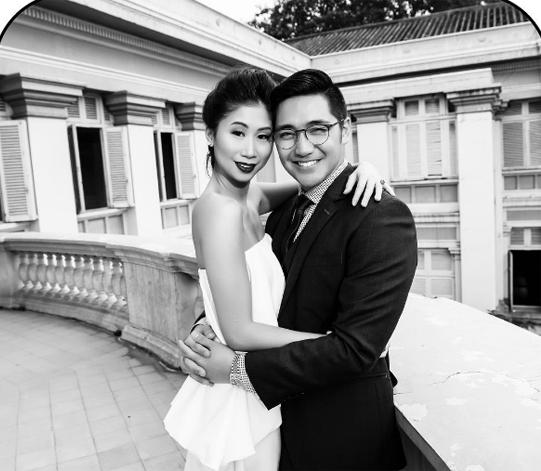 Ông xãcủa Stephanie Nguyễn là một doanh nhân người Phillippines. Anh đang là thành viên trong công ty của Phillip Nguyễn, em chồng Hà Tăng điều hành. Anh sở hữu ngoại hình điển trai và trẻ trung.