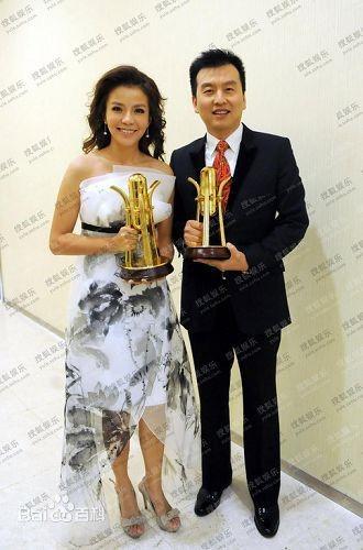 Chu Tấn là MC kỳ cựu của đài CCTV. Ảnh: Baidu.