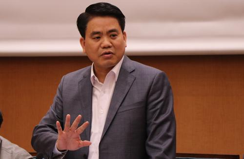 Chủ tịch UBND TP Hà Nội Nguyễn Đức Chung phát biểu tại cuộc họp sáng 6/2. Ảnh: Võ Hải.