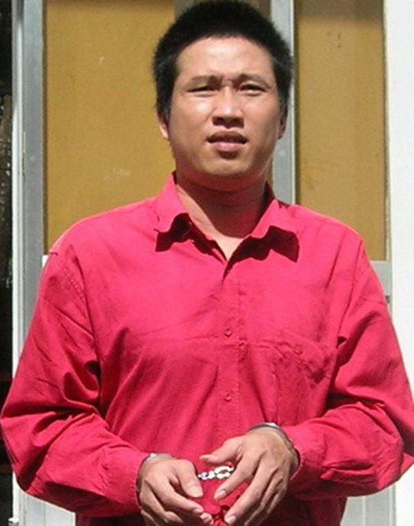 5 năm trước, Bình bị TAND tỉnh Sóc Trăng tuyên 20 năm tù. Ra tòa lần này Bình có tư cách là người làm chứng. Ảnh: Việt Tường.