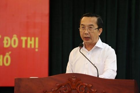 Chủ tich UBND Q.1 Trần Thế Thuận phát biểu tại cuộc họp.
