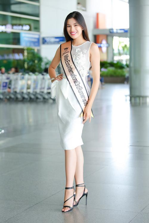 Cô rất hạnh phúc vì đoạt giải Á hậu 3 chung cuộc. Tuy vậy, người đẹp quê Bắc Ninh vẫn giữ ý định giải nghệ, không hoạt động nghệ thuật vì sợ thị phi, phức tạp.