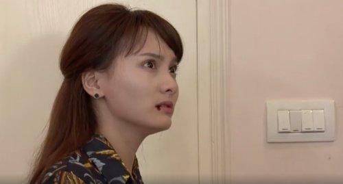Phân cảnh Bảo Thanh bị tát đến bật máu trong phim.