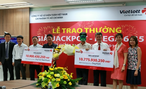 Ông Trần Nhật Khánh và P.Q.H nhận giải Jackpot kỳ 116.
