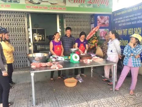 Hiệp hội Chăn nuôi Đồng Nai cho biết sẽ tiếp tục mua giá heo hơi 30.000 đồng/kg để kéo giá heo lên cho người nuôi