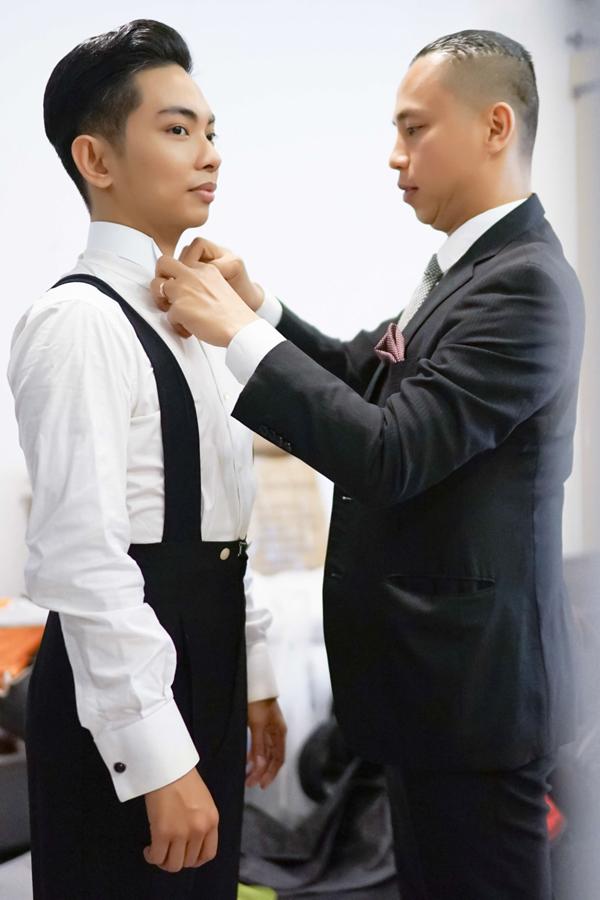 Chí Anh cũng giúp đỡ người anh xem như em trai.