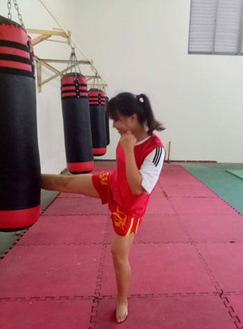 Bùi Thị Phương Thảo là vận động viên chính trong đội tuyển võ ứng dụng công an nhân dân Đại học Kỹ thuật - Hậu cần T36. Ảnh: NVCC.