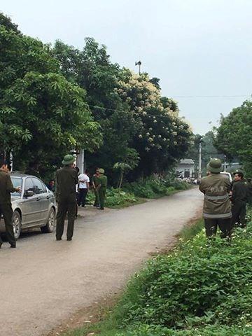 Lực lượng an ninh làm công tác bảo vệ trong buổi thực nghiệm hiện trường
