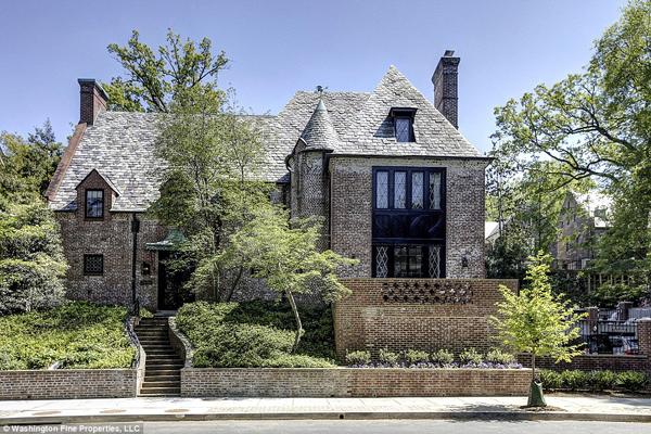 Vợ chồng ông Obama thuê căn biệt thự rộng hơn 760 m2 ở Kalorama để sống sau khi rời Nhà trắng. Ảnh: Washington Fine Properties, LLC.